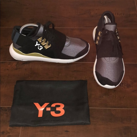 Academia Económico Abrazadera  Y-3 Shoes | Adidas Y3 Qasa Low Top Gold Black White Sneakers | Poshmark
